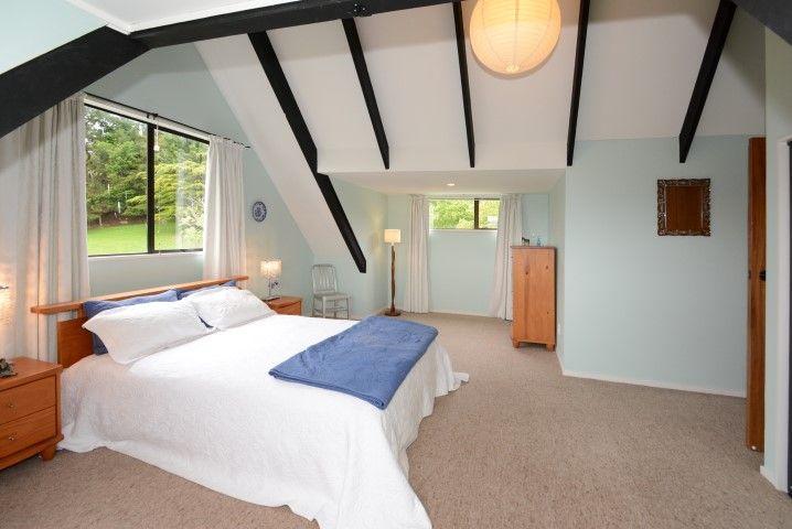 minimalist blue bedroom